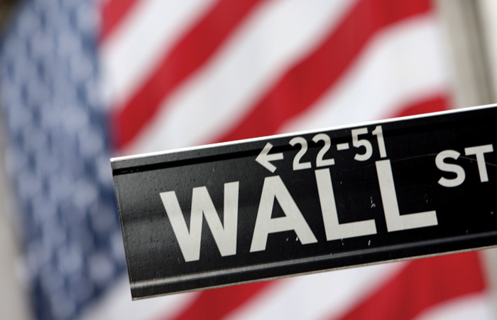 Wall-Street-Sign-Flag-700.jpg
